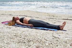 Yoga hareketleri Yoga Nasıl Yapılır ve Hareketleri? Yoga Nasıl Yapılır ve Hareketleri? yoga hareketleri hareketsiz durmak 300x200